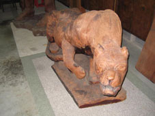 Click Cougar sculpture image to view large screen-size